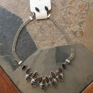 Necklace, earring set